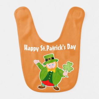 Babador Leprechaun do dia de um St Patrick que guardara um
