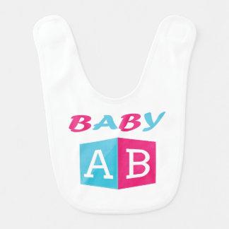 Babador O bebê ABC obstrui
