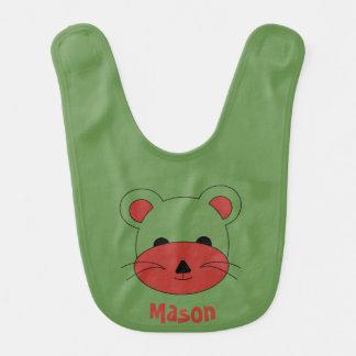 Babador Urso de ursinho vermelho no fundo verde