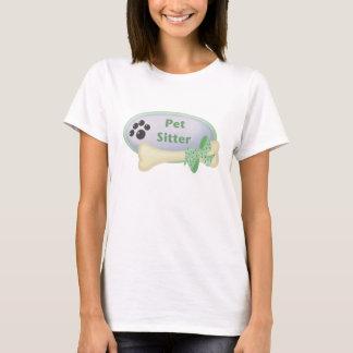 Baby-sitter do animal de estimação (azul com osso) camiseta