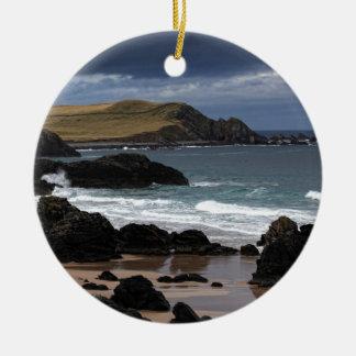 Baía de Sango, Sutherland, Scotland Ornamento De Cerâmica Redondo