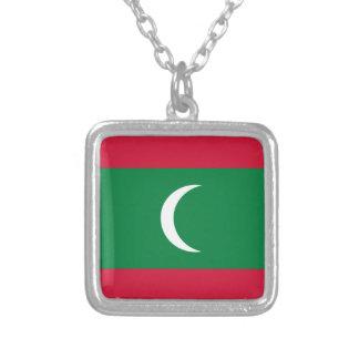 Baixo custo! Bandeira de Maldives Colar Banhado A Prata