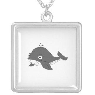 Baleia azul colar com pendente quadrado