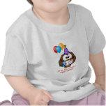 Balões bolo da coruja e aniversário feito sob camisetas