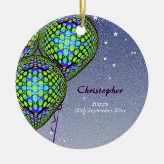 Balões no azul e no verde ornamento de cerâmica redondo