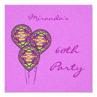 Balões roxos e amarelos convites personalizados