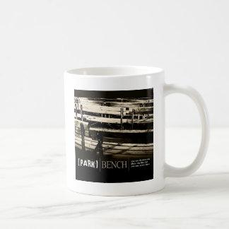 Banco de parque caneca de café