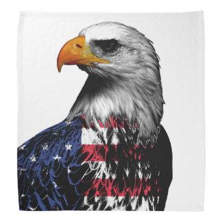 Bandana Águia americana americana envolvida na bandeira