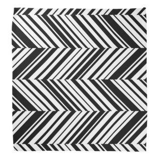 Bandana listrado diagonal em preto e branco