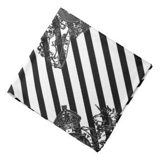 Bandana Preto no bolso branco da lapela do emblema do leão