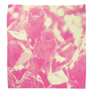 Bandana Rosa e rosas amarelos macios