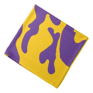 Bandana roxo da camuflagem do ouro