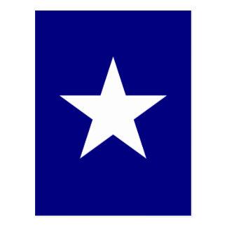 Bandeira azul Bonnie com o cartão branco solitário Cartao Postal