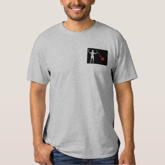 Bandeira de BlackBeards (Edward ensina) Camisetas