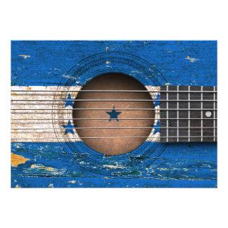 Bandeira de Honduras na guitarra acústica velha Convite