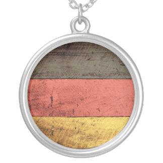 Bandeira de madeira velha de Alemanha Colar Com Pendente Redondo