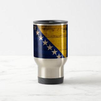 Bandeira de madeira velha de Bósnia Canecas