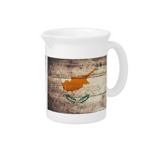 Bandeira de madeira velha de Chipre; Jarro De Bebida