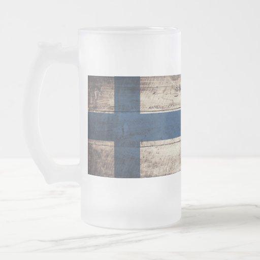 Bandeira de madeira velha de Finlandia Caneca