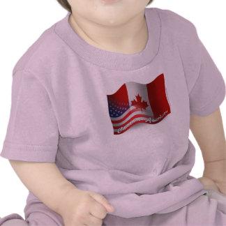 Bandeira de ondulação Canadense-Americana Camiseta