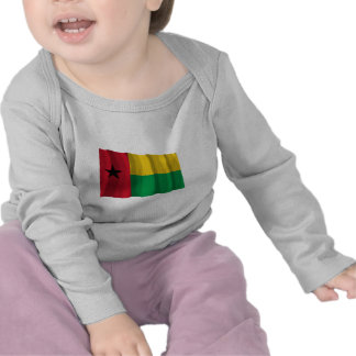 Bandeira de ondulação de Guiné-Bissau Tshirts