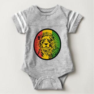 bandeira do leão da reggae do rasta t-shirt