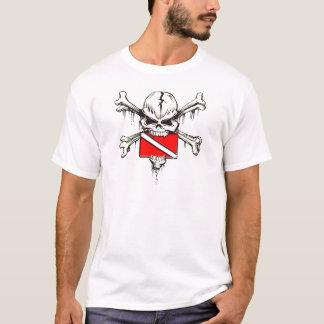 bandeira do mergulho do crânio camiseta