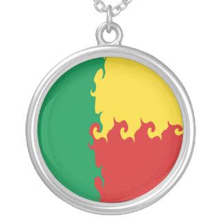 Bandeira Gnarly de Benin Colar Banhado A Prata