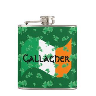 Bandeira irlandesa com trevos