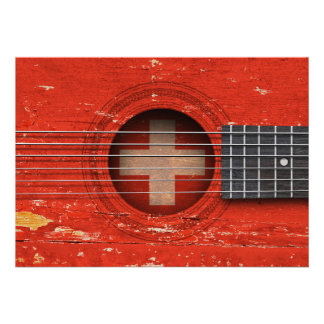 Bandeira suíça na guitarra acústica velha convite