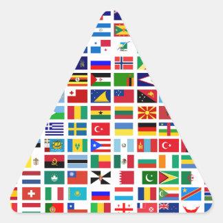 bandeiras do mundo contra o branco adesivo triangular