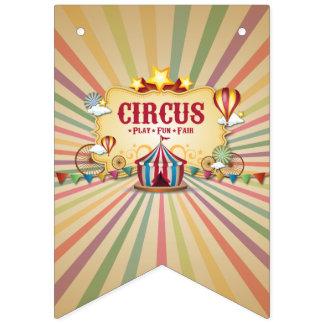 Bandeirinha Carnaval do circo que vem à cidade