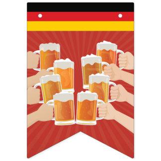 Bandeirinha Elogios para Oktoberfest! Cervejas para todos!