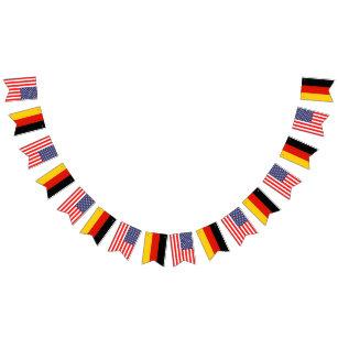 b476648932e56 Bandeirinha Festa de casamento americana e alemão