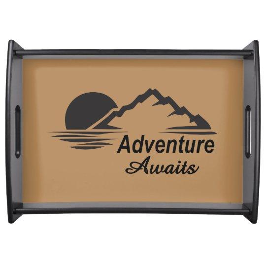 Bandeja A aventura espera o excelente da natureza fora