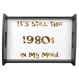 Bandeja brilho do ouro da nostalgia dos anos 80