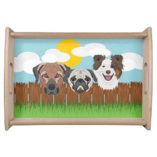 Bandeja Cães afortunados da ilustração em uma cerca de