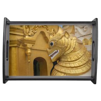 Bandeja Estátua dourada do leão no templo