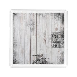 Bandeja quadrada pequena de madeira do Grunge