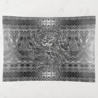 Bandejas Camuflagem preta & branca da coruja da fantasia
