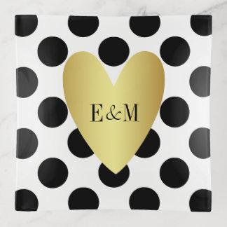 Bandejas Coração do ouro e monograma do casal das bolinhas