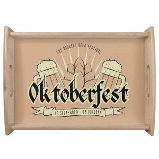 Bandejas do serviço de Oktoberfest