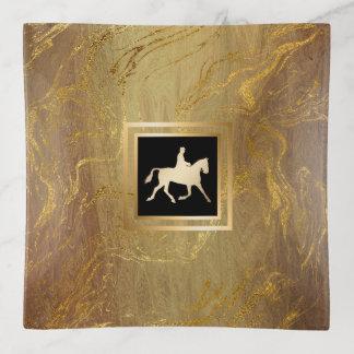 Bandejas Equestrian retro no ouro de mármore