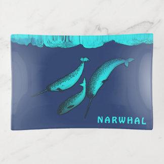 Bandejas Narwhal sob o gelo
