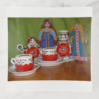 Bandejas Tempo do chá da boneca do russo