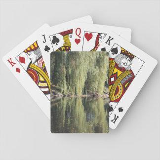 Baralho Árvores de salgueiro refletidas no rio