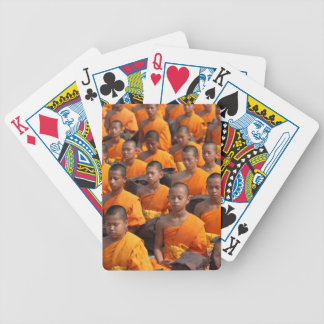 Baralho Grande grupo de monges Meditating