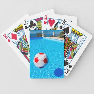 Baralho Para Pôquer Bola de praia que flutua na água na piscina