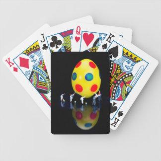 Baralhos De Poker Estatuetas diminutas que pintam o ovo da páscoa