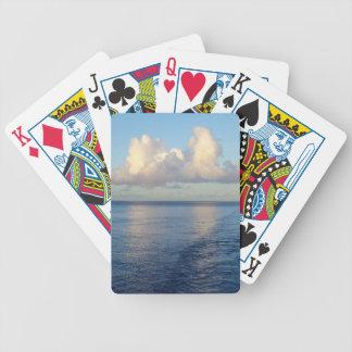 Baralhos Para Pôquer Reflexões da nuvem do Seascape do amanhecer